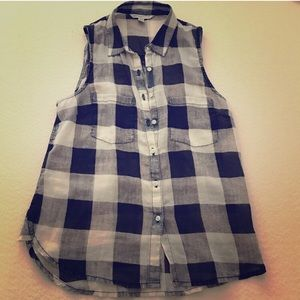 American Eagle sleeveless plaid top